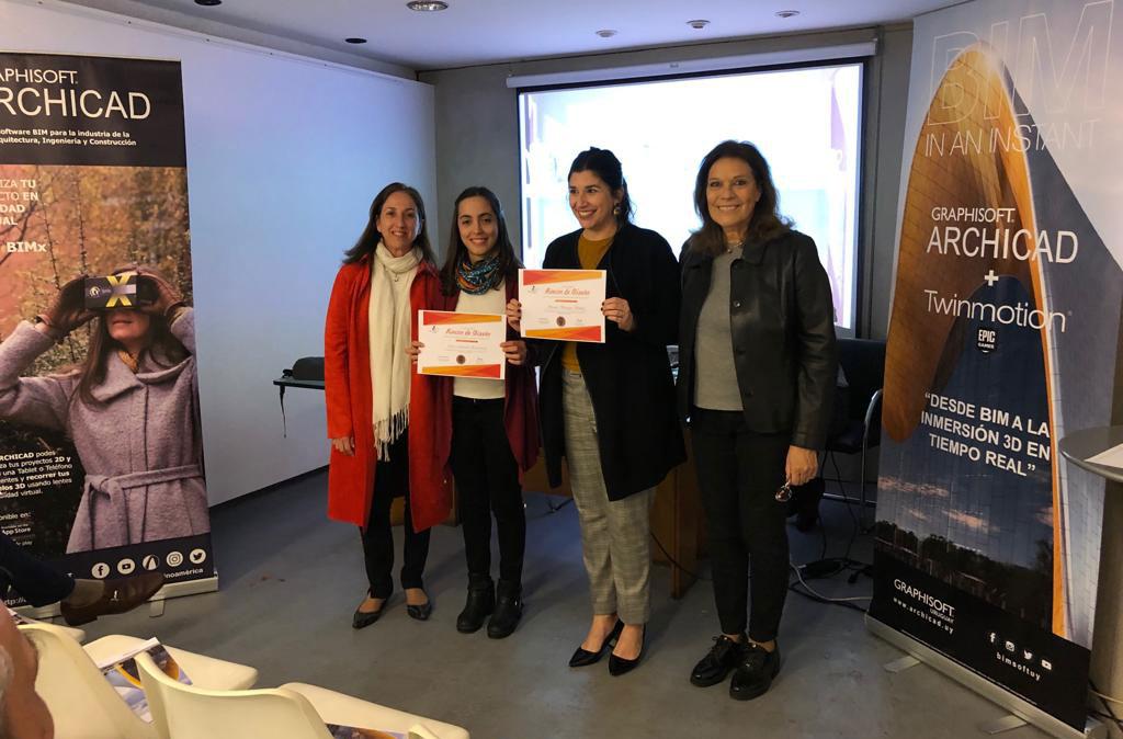 *Lucía Amacoria junto a la representante de Sweetie Boutique Bakery y miembros de Addip